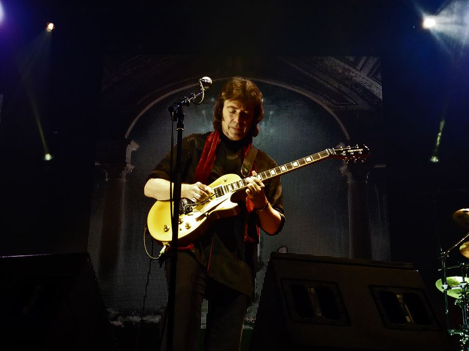 Steve Hackett | Wolflight set for March 30th